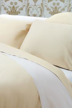 photo of Belledorm 200TC Egyptian Cotton Oxford Pillowcase