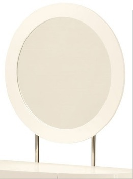 photo of Lorna Mirror