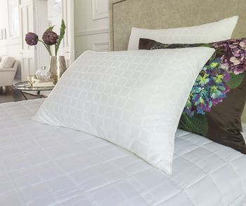 photo of The Fine Bedding Company Boutique Silk Pillow