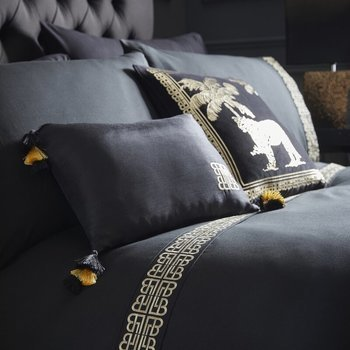 photo of Laurence Llewelyn Bowen Monoglam Duvet Set Black & Gold