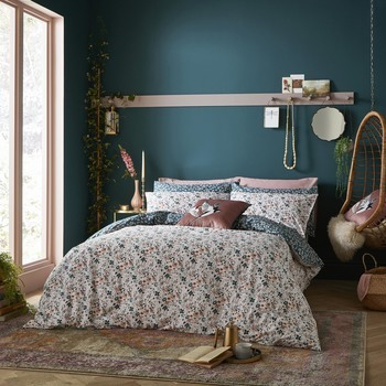 photo of Fat Face Floating Blooms Bedding Set