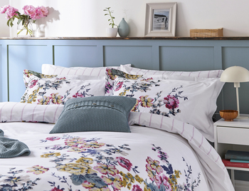 photo of Joules Cambridge Floral Creme Bedding Set King