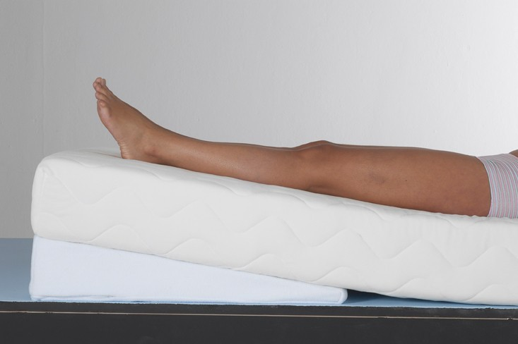 Able 2 Mattress Tilter Wedge Pillow