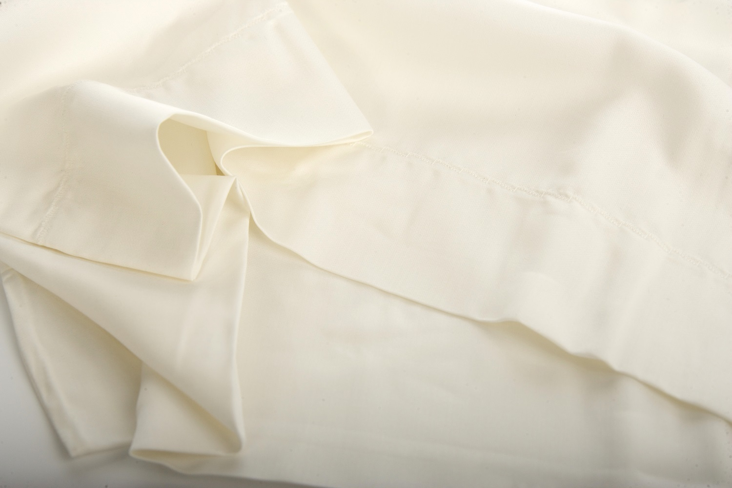 Between The Sheets Bamboo Pillowcase Pair 100%
