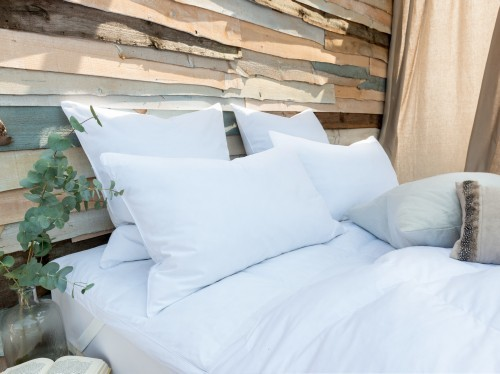 The Fine Bedding Company Duck Feather & Down Standard Pillow