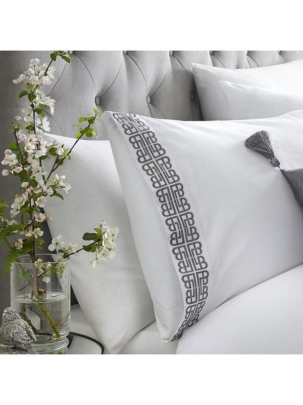 Laurence Llewelyn Bowen Monoglam Duvet Set White and Silver