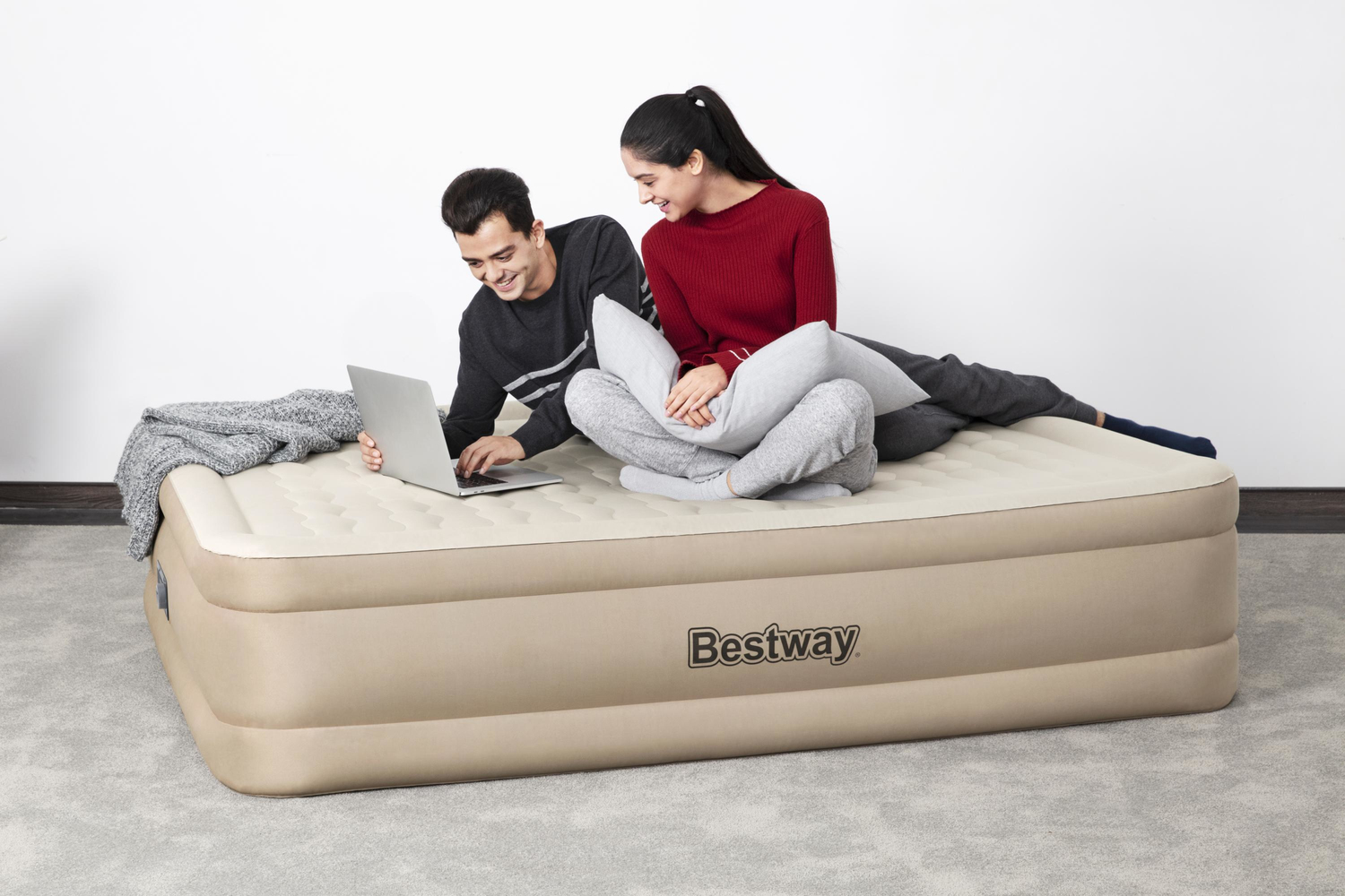 Bestway Fortech Airbed Queen Built-in AC Pump