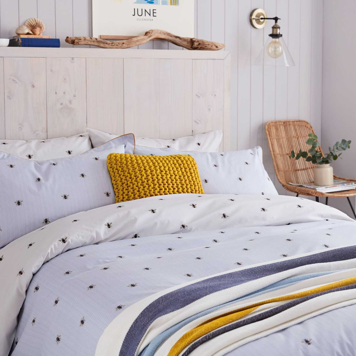 Joules Botanical Bee Blue Duvet Cover Double